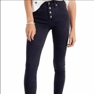 """9"""" Mid-Rise Skinny Jeans in Black : Button-Through"""